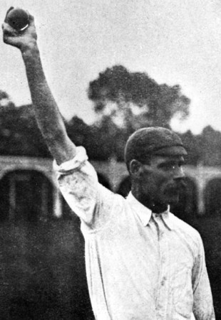 Sydney Barnes demonstrates his bowling action, circa 1920