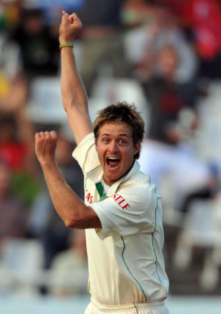 Paul Harris turned in a career-best performance, South Africa v Australia, 3rd Test, 4th day, Cape Town, March 22, 2009