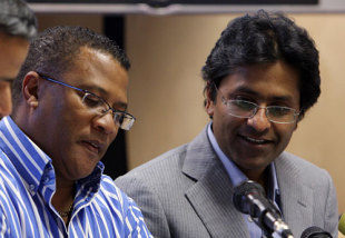 Gerald Majola and Lalit Modi at a press conference, Johannesburg, March 24, 2009