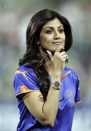 Shilpa Shetty makes an appearance during the match, South Africa v Australia, 1st Twenty20 international, Johannesburg, March 27, 2009
