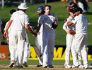 The New Zealand players shake hands after the match, New Zealand v India, 2nd Test, Napier, 5th day, March 30, 2009