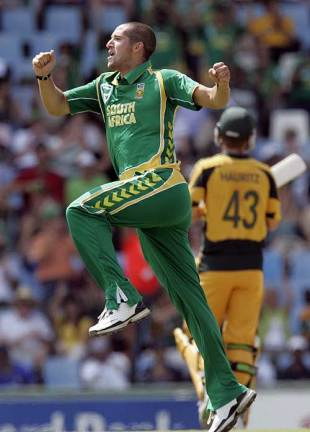 Wayne Parnell jumps after another wicket falls, South Africa v Australia, 2nd ODI, Centurion, April 5, 2009