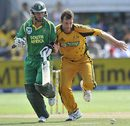Shane Harwood rushes to the ball, South Africa v Australia, 4th ODI, Port Elizabeth, April 13, 2009