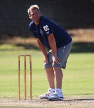 Shane Warne at a Rajasthan Royals practice session, Cape Town, April 15, 2009