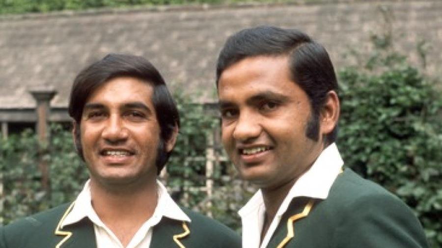 Mushtaq Mohammad (R) and Sadiq Mohammad