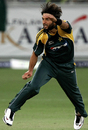 Shahid Afridi lets it rip, Pakistan v Australia, 2nd ODI, Dubai, April 24, 2009