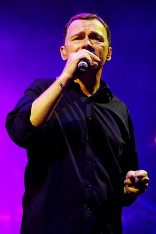 Ali Campbell of UB40 performs at the 2008 Bermuda Music Festival, October 3, 2008