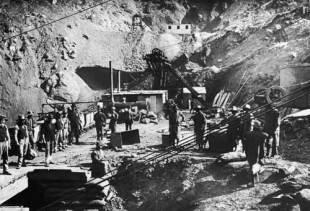 The Central Company's shaft at the Kimberley diamond mine, Kimberley, South Africa, 1888