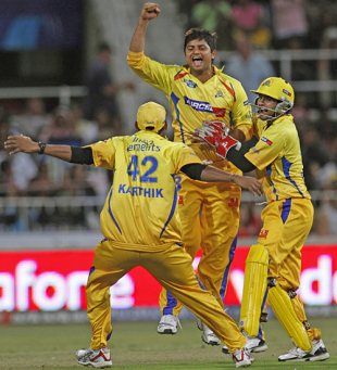 Team-mates rush in to congratulate Suresh Raina, Chennai Super Kings v Kings XI Punjab, IPL, 54th match, Durban, May 20, 2009