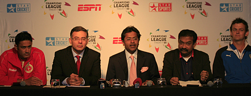 Anil Kumble, Lalit Modi, Adam Gilchrist and other officials at a press conference