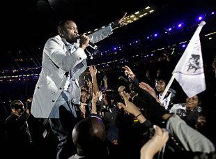 R&B singer Akon performs at the closing ceremony, Royal Challengers Bangalore v Deccan Chargers, IPL, final, Johannesburg, May 24, 2009