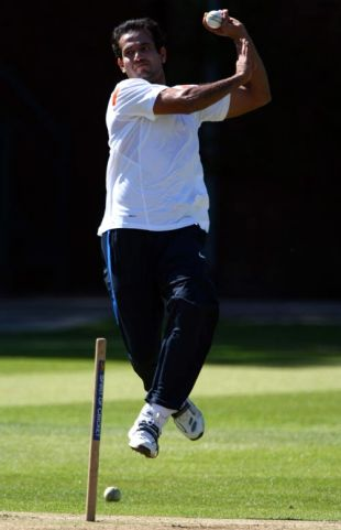 Irfan Pathan is about to send down a delivery during a training session, Lord's, May 30, 2009