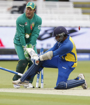 Mahela Jayawardene is bowled as he attempts a reverse-sweep, South Africa v Sri Lanka, ICC World Twenty20 warm-up match, Lord's, June 3, 2009