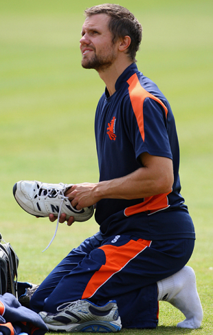 Dirk Nannes gears up to have a bowl at the nets, Lord's, June 4, 2009