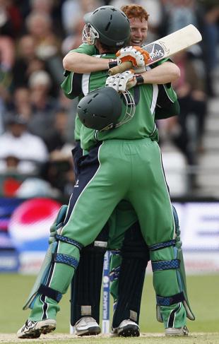 Kevin O'Brien and John Mooney are joyous after ejecting Bangladesh, Bangladesh v Ireland, ICC World Twenty20, Trent Bridge, June 8, 2009