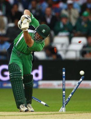 Ireland's Jeremy Bray has his stumps rearranged, India v Ireland, ICC World Twenty20, Trent Bridge, June 10, 2009