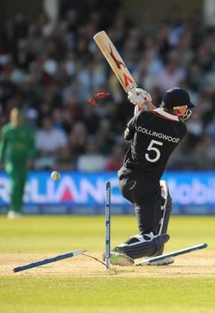 Paul Collingwood is cleaned up by Jacques Kallis, England v South Africa, ICC World Twenty20, Trent Bridge, June 11, 2009