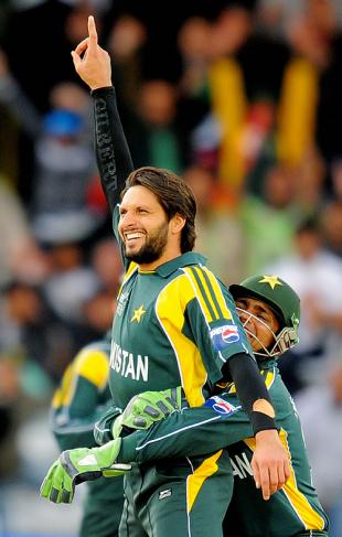 Shahid Afridi stands tall, Pakistan v South Africa, ICC World Twenty20, 1st semi-final, Trent Bridge, June 18, 2009