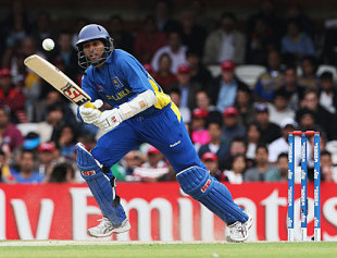 Tillakaratne Dilshan sets off for a run, Sri Lanka v West Indies, ICC World Twenty20, 2nd semi-final, The Oval, June 19, 2009