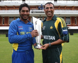 Rival captains pose with the trophy on the eve of the ICC World Twenty20 finals