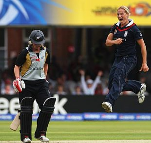 Katherine Brunt exults after dismissing Lucy Doolan, England v New Zealand, ICC Women's World Twenty20 final, Lord's, June 21, 2009