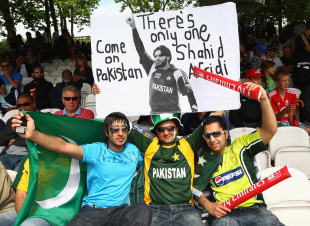 Fans root for Shahid Afridi, Pakistan v Sri Lanka, ICC World Twenty20 final, Lord's, June 21, 2009