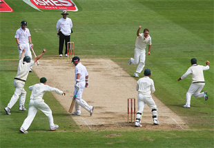 A wide-angle shot of Nathan Hauritz dismissing Matt Prior, England v Australia, 1st Test, Cardiff, 5th day, July 12, 2009