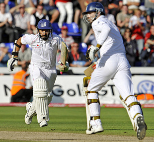 Monty Panesar and James Anderson steal a run during the most tense of evenings, England v Australia, 1st Test, Cardiff, 5th day, July 12, 2009