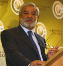 Ehsan Mani delivers his address at the ICC Centenary History Conference, Oxford, July 22, 2009