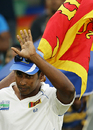 Chaminda Vaas waves to the crowd, Sri Lanka v Pakistan, 3rd Test, Colombo, 5th day, July 24, 2009