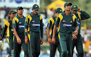 Younis Khan leads his team off the field after the defeat, Sri Lanka v Pakistan, 3rd ODI, Dambulla, August 3, 2009