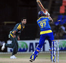 Thilan Thushara is cleaned up by Iftikhar Anjum, Sri Lanka v Pakistan, 4th ODI, R Premadasa Stadium, Colombo, August 7, 2009