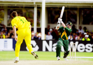 Lance Klusener on his way to an unbeaten 16-ball 31, Australia v South Africa, 2nd semi-final, World Cup, Birmingham, June 17, 1999