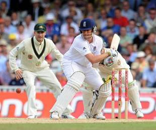 Graeme Swann brings out the reverse sweep, England v Australia, 5th Test, The Oval, 3rd day, August 22, 2009