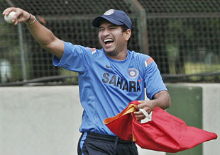 Sachin Tendulkar shares a joke during training, Bangalore, August 30, 2009