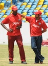 Vasbert Drakes and Ramnaresh Sarwan attend a Digicel Cricket Clinic, Barbados, September 6, 2009