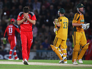 James Anderson holds his head in his hands as England slump towards their third successive one-day defeat, England v Australia, 3rd ODI, Southampton, September 9, 2009