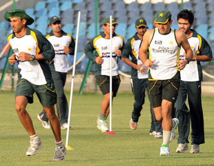 Pakistan players go through drills during their camp, Karachi, September 13, 2009