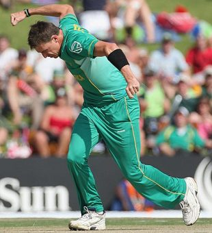 Dale Steyn can't control his excitement, South Africa v Sri Lanka, Champions Trophy, Group B, Centurion, September 22, 2009