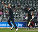 Stuart Broad gets rid of Grant Elliott