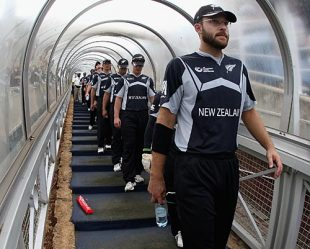 Daniel Vettori leads New Zealand out for the semi-final, New Zealand v Pakistan, ICC Champions Trophy, 2nd semi-final, Johannesburg, October 3, 2009
