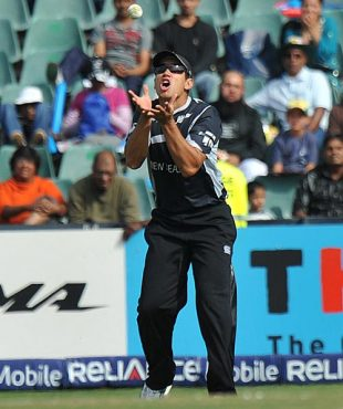 Ross Taylor catches Imran Nazir, New Zealand v Pakistan, ICC Champions Trophy, 2nd semi-final, Johannesburg, October 3, 2009