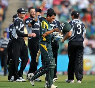 ICC Champions Trophy: 2nd Semi-Final: New Zealand v Pakistan Highlights at Johannesburg, October 3, 2009