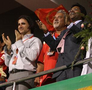 Dean Kino, Vijay Mallya and Lalit Modi applaud