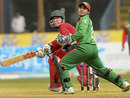 Brendan Taylor paddles to good effect