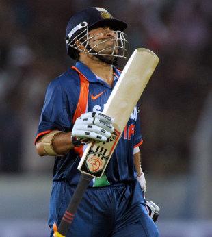 Sachin Tendulkar grimaces after getting out, India v Australia, 5th ODI, Hyderabad, November 5, 2009