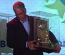 Mohinder Amarnath with his CK Nayudu lifetime achievement award, Mumbai, December 6, 2009