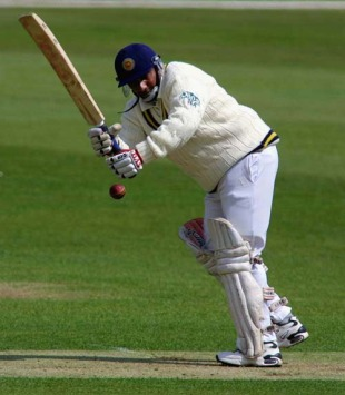 Aravinda de Silva plays the flick, Kent v Sri Lanka, Canterbury, 27 April 2002
