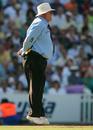 David Shepherd hops as Australia reach 222, England V Australia, Natwest Challenge, 3rd ODI, The Oval, July 12, 2005
