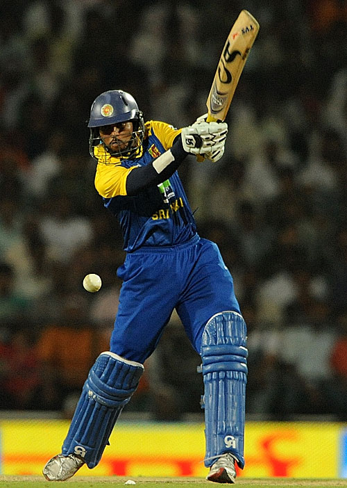 Tillakaratne Dilshan gives it a thump